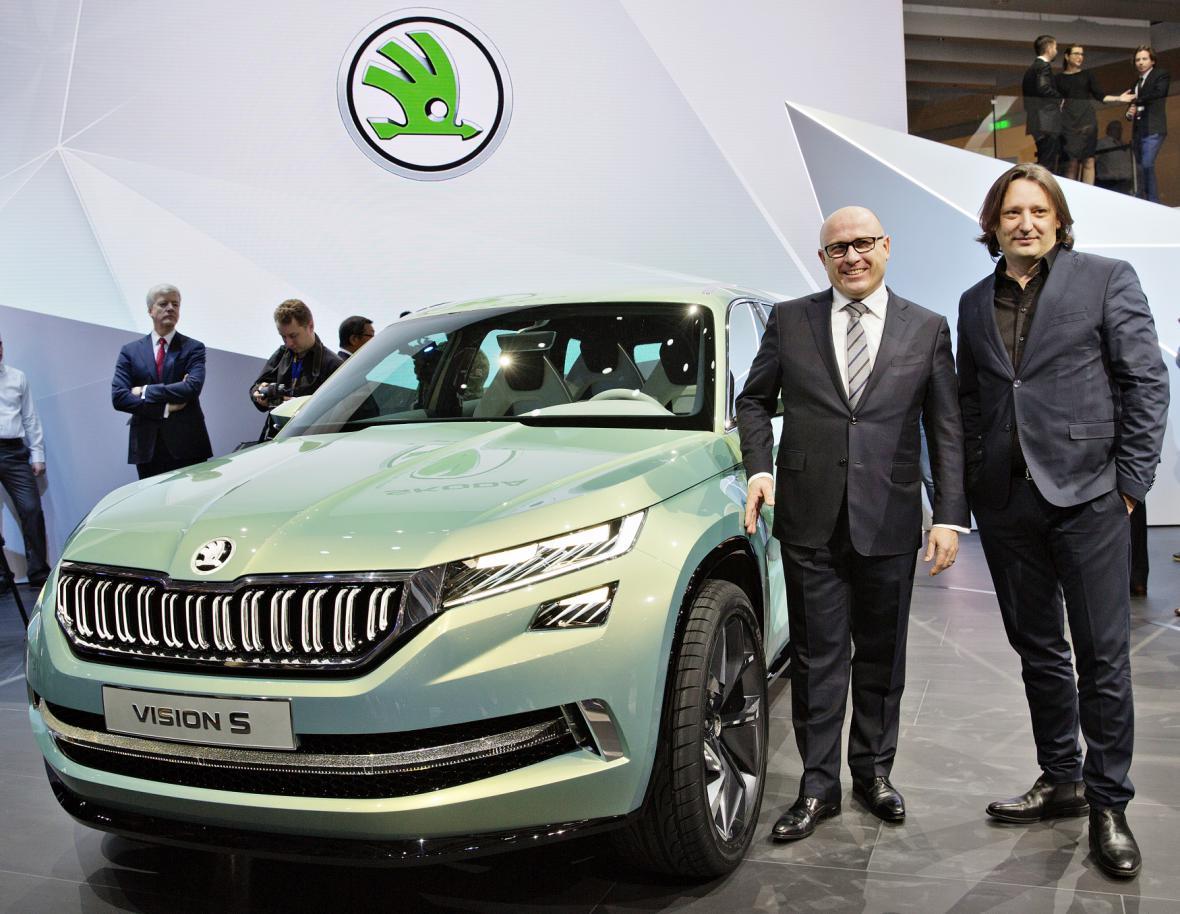 Šéf Škody Auto Bernhard Maier (vlevo) a vedoucí oddělení designu Jozef Kabaň