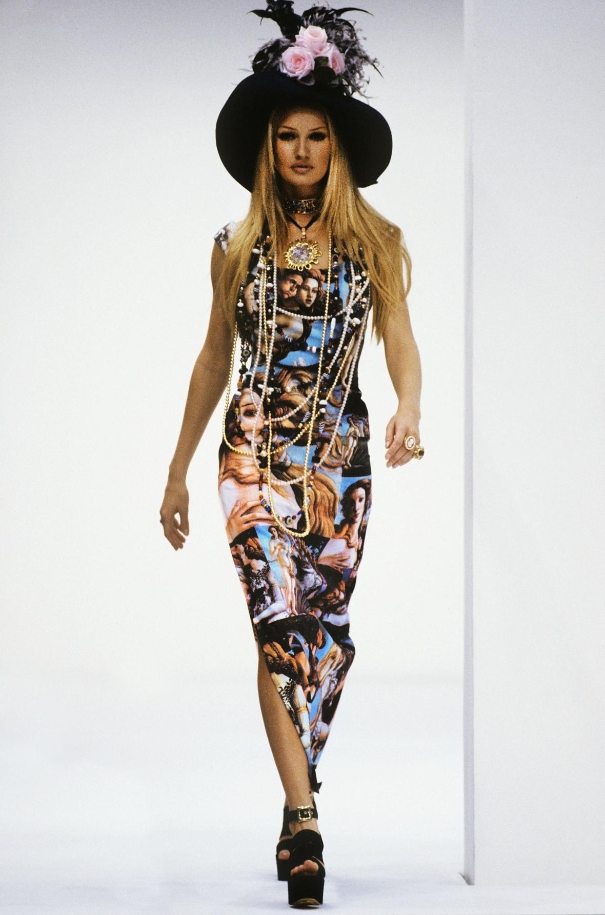 Šaty Venuše, Look 15 - z přehlídky Dolce & Gabbana, Milán, 1993