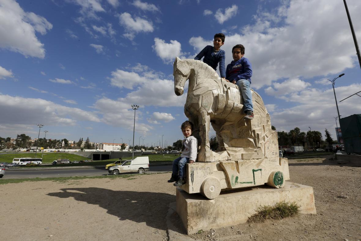 Syrské děti už se nebojí vyjít na ulici