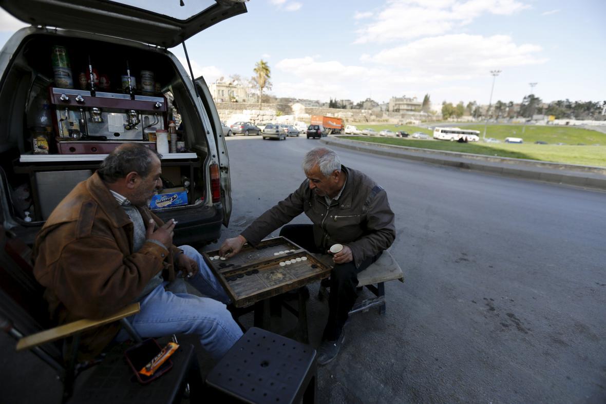 Syřané vytáhli i stolní hry