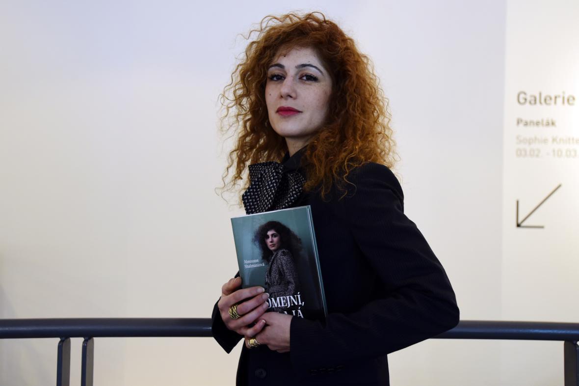 Abnousse Shalmaniová