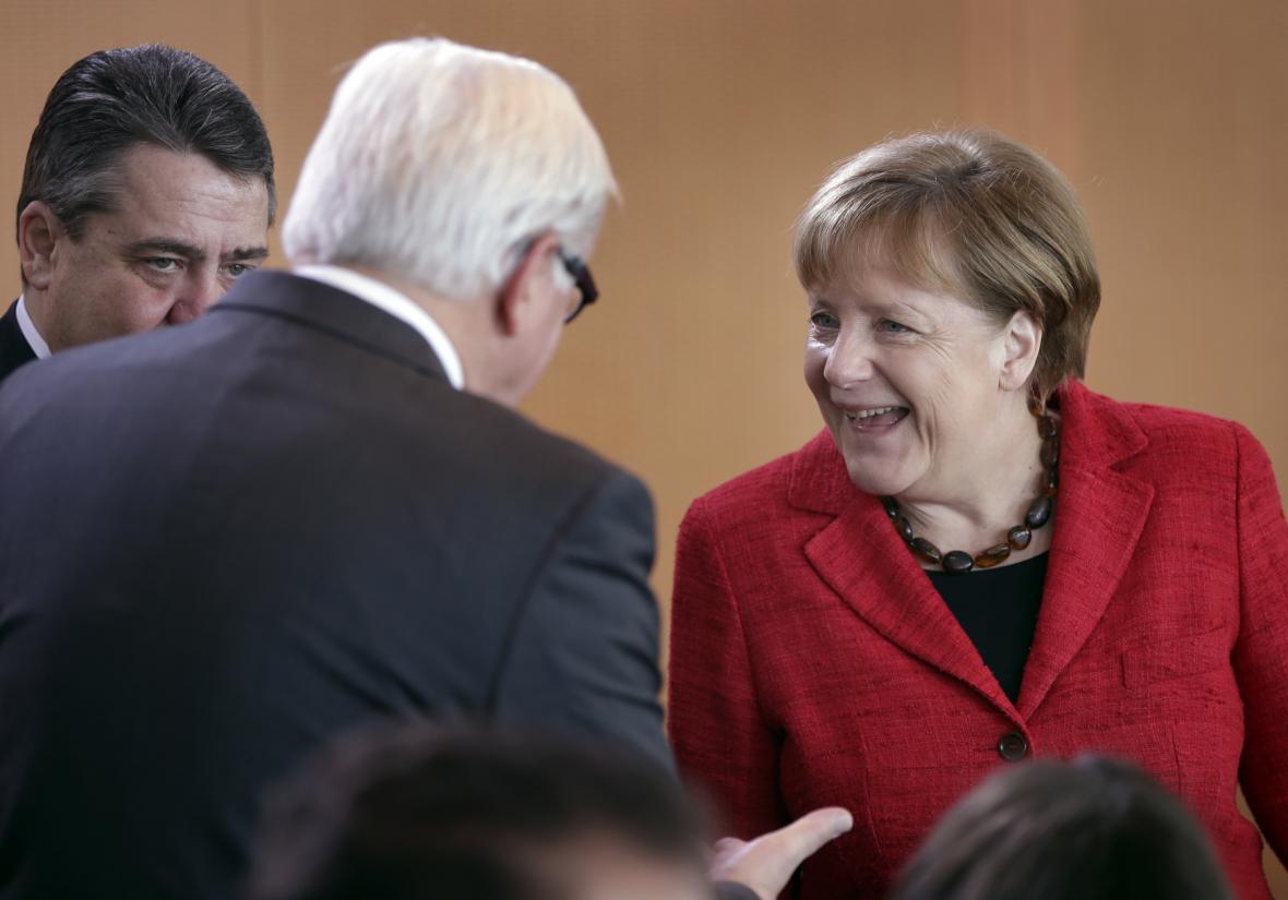 Německá kancléřka Angela Merkelová a ministr zahraničí Frank-Walter Steinmeier