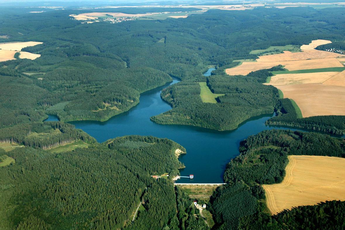 Letecký pohled na Opatovickou přehradu