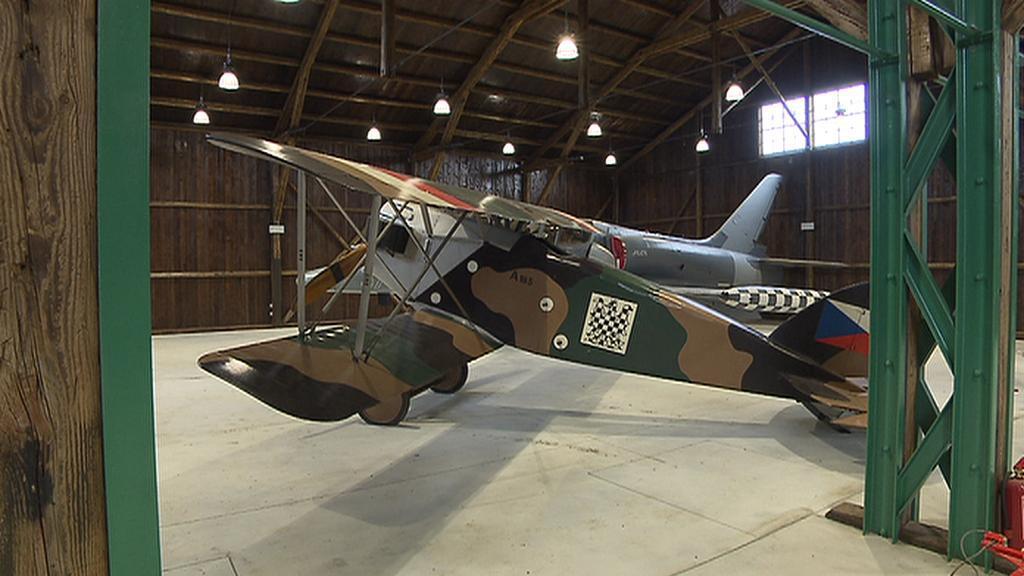 Stíhačka Aero A-18 přezdívaná Špaček