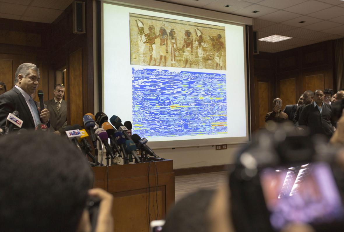 Brífink ministra pro památky Mahmúda Damátího
