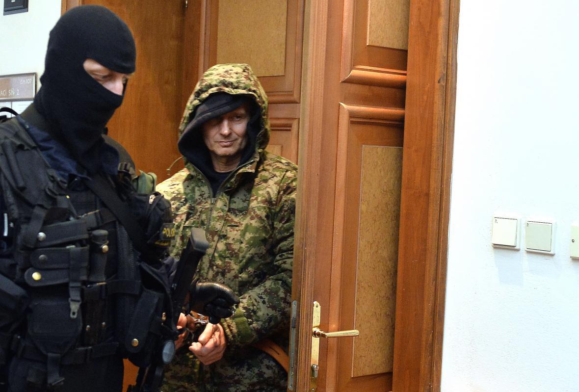 Policie zatkla Pavla Šrytra obviněného z vraždy Antonína Běly z roku 1996.
