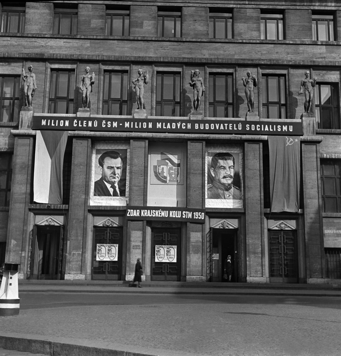 Městská knihovna na přelomu 40. a 50. let