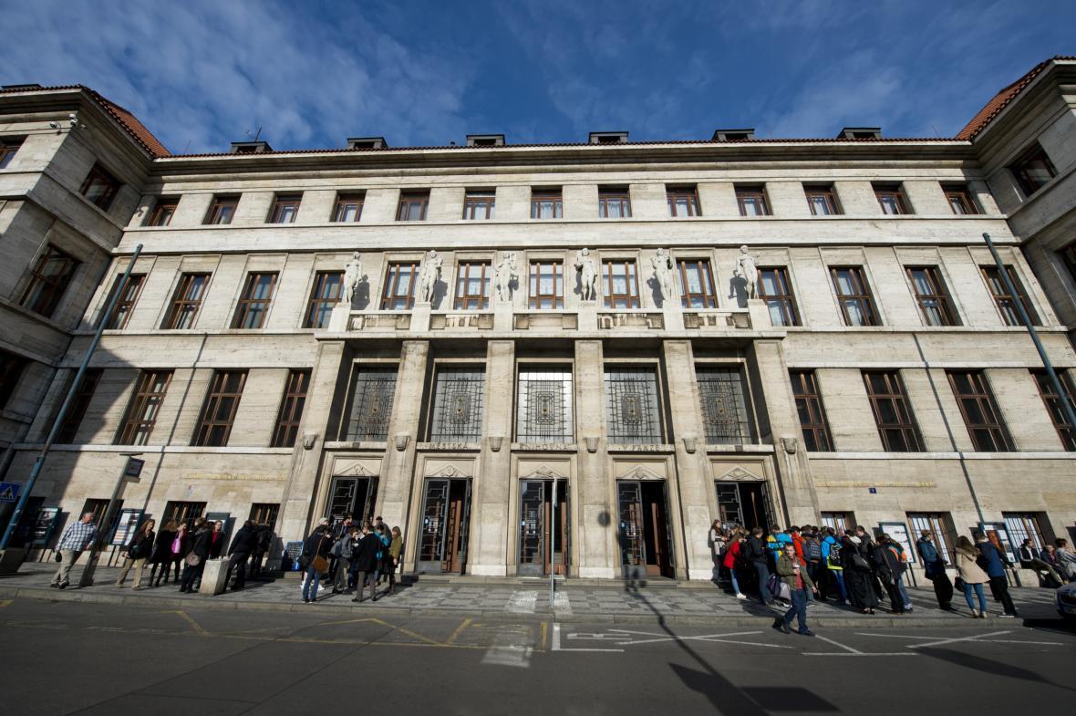 Současná budova Městské knihovny v Praze