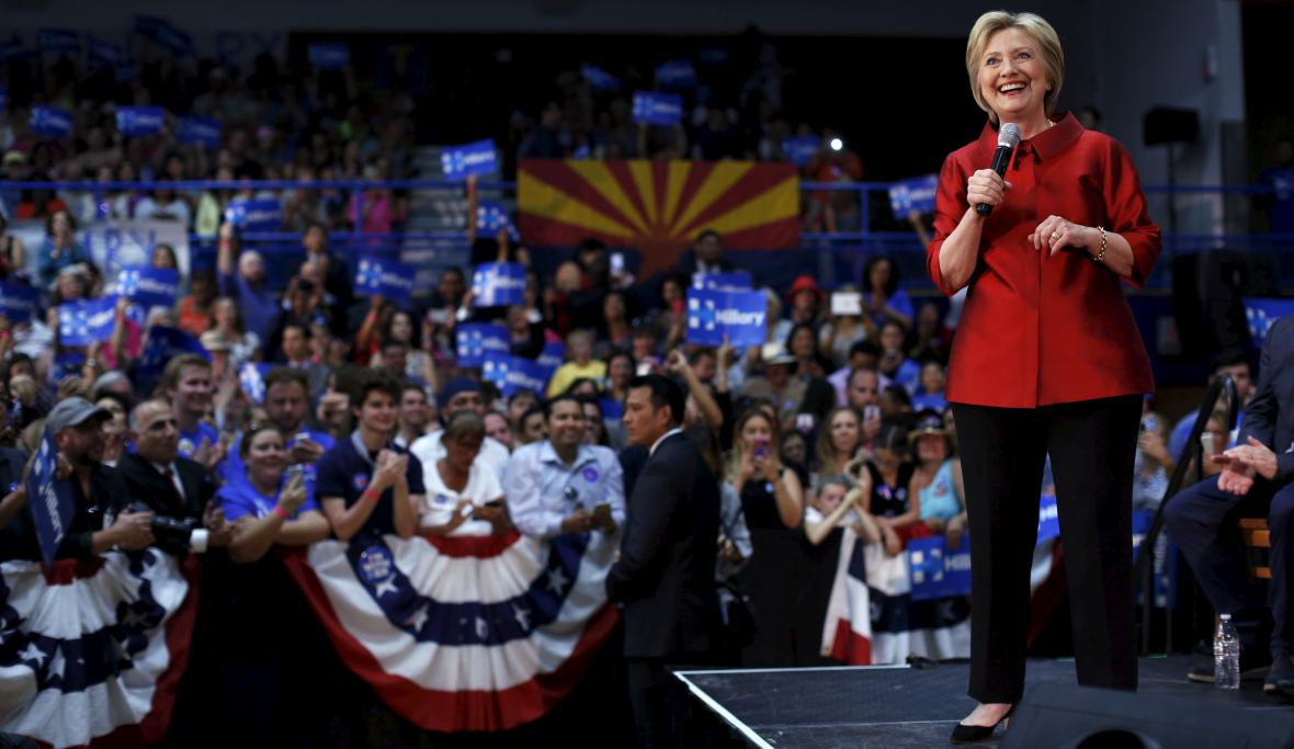 Hillary Clintonová při kampani v Arizoně
