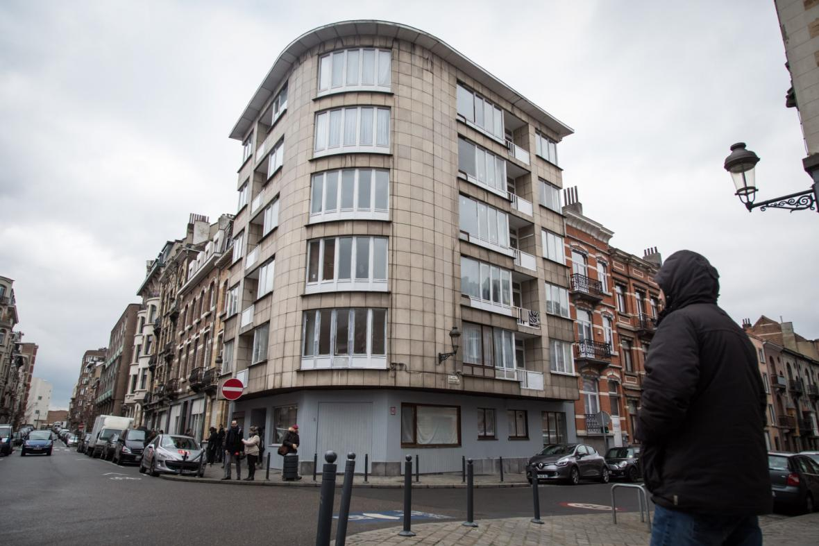 Dům, ve kterém bydlela dvojice atentátníků z letiště