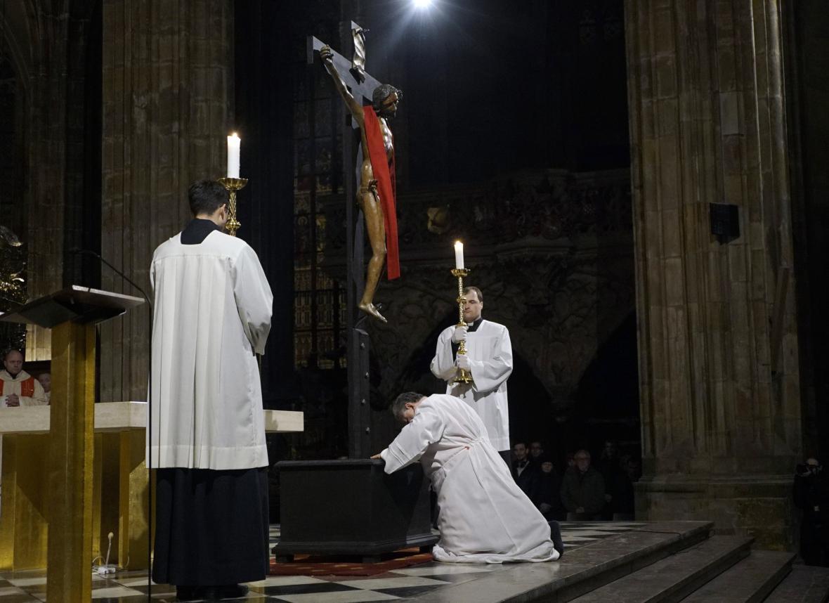 Velkopáteční obřad ve svatovítské katedrále