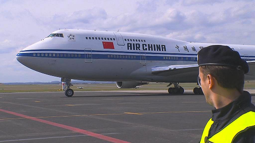 Čínský prezident přistál v Praze