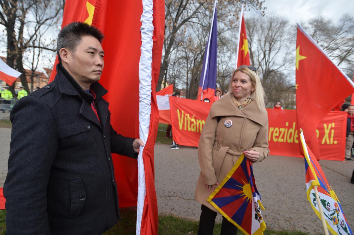 Příznivci i odpůrci čínského prezidenta