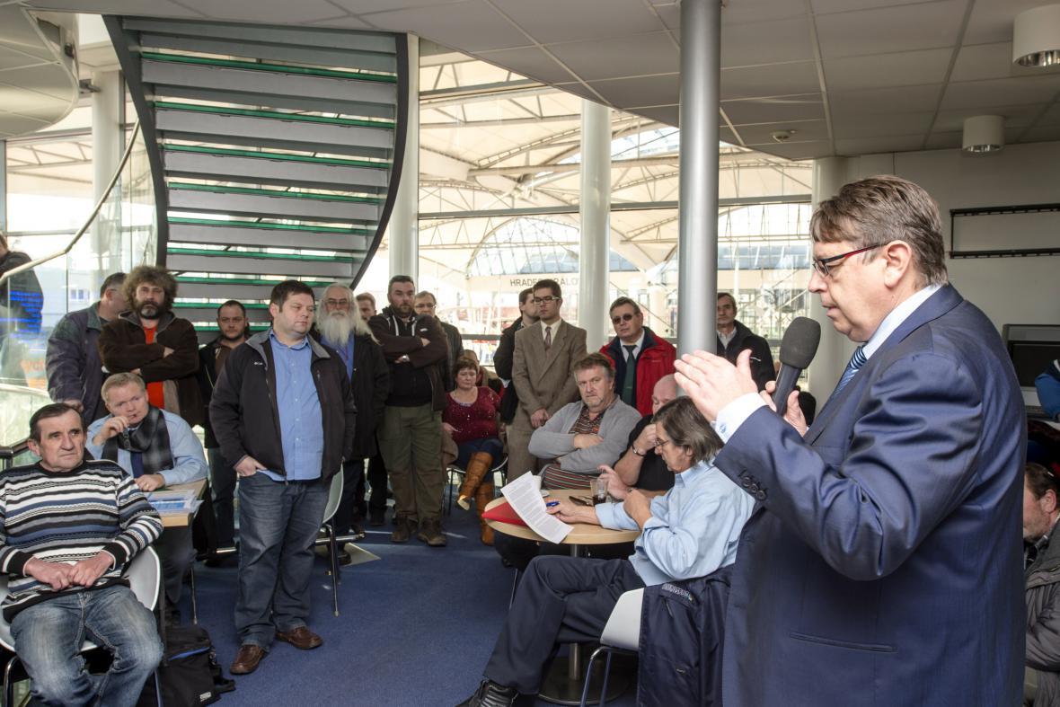 Lubomír Franc na jednání s odbory
