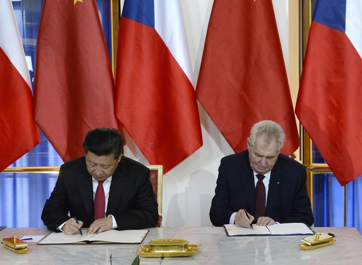 Čínský a český prezident při podpisu smluvČTK/Krumphanzl Michal