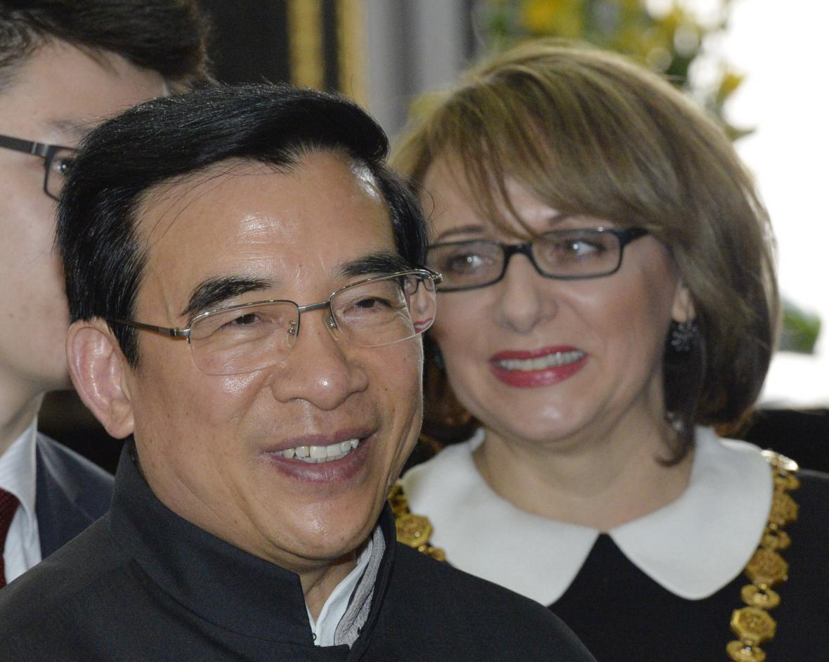 Primátor Pekingu Wang An-šun a pražská primátorka Adriana Krnáčová