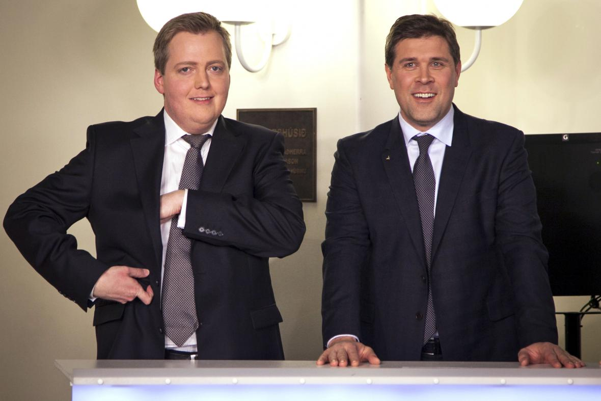 Islandský premiér Sigmundur David Gunnlaugsson (vlevo)