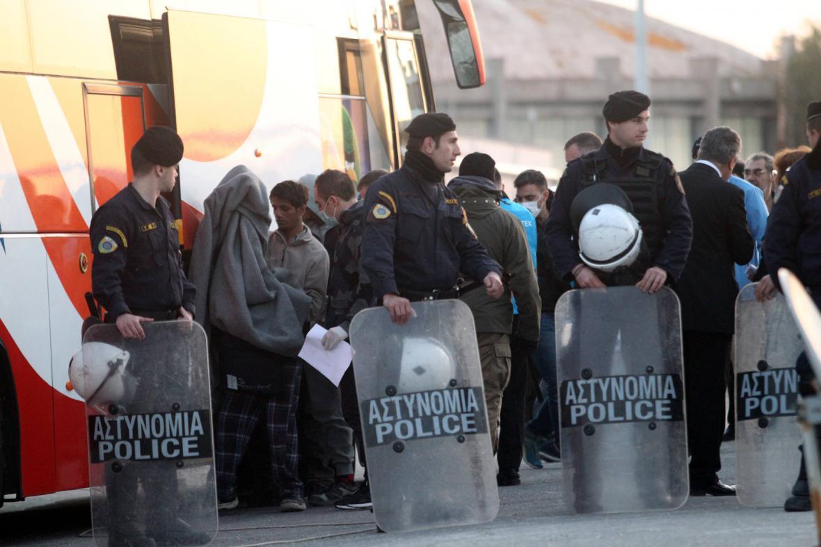 Vracení uprchlíků do Turecka