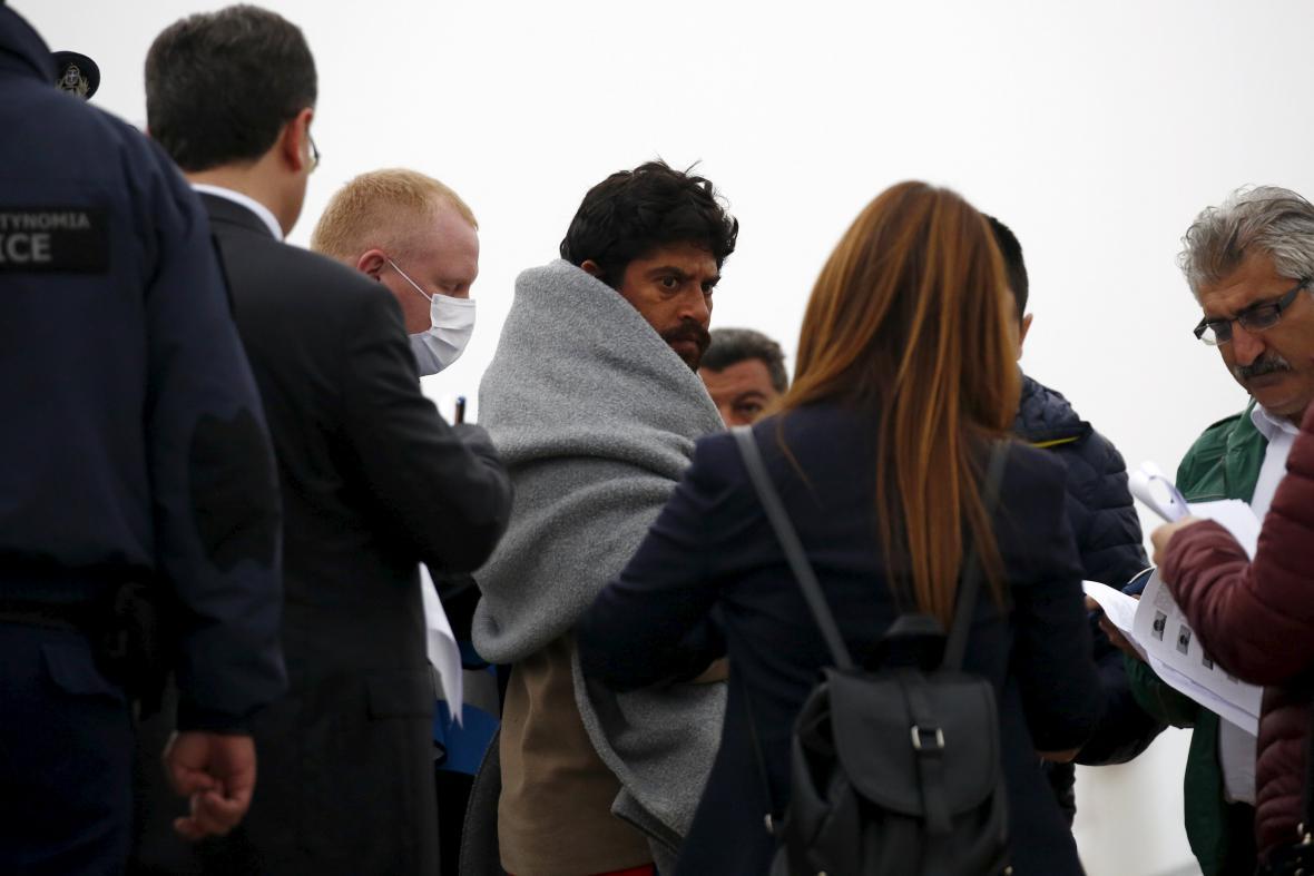 Deportace migrantů z Lesbu
