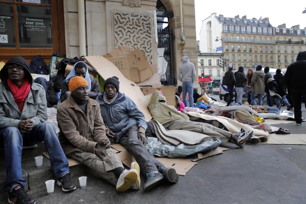 Uprchlíci v ulicích Paříže v září 2015