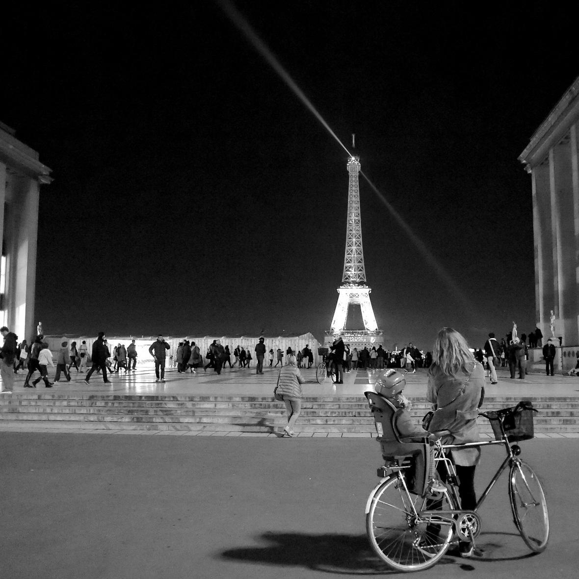 Výhled z Trocadéra na Eiffelovu věž