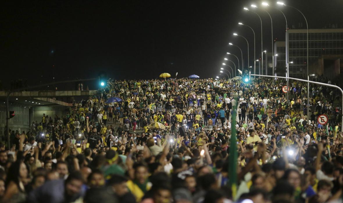 Protest proti prezidentce Rousseffové a jmenování Luly jako šéfa vlády