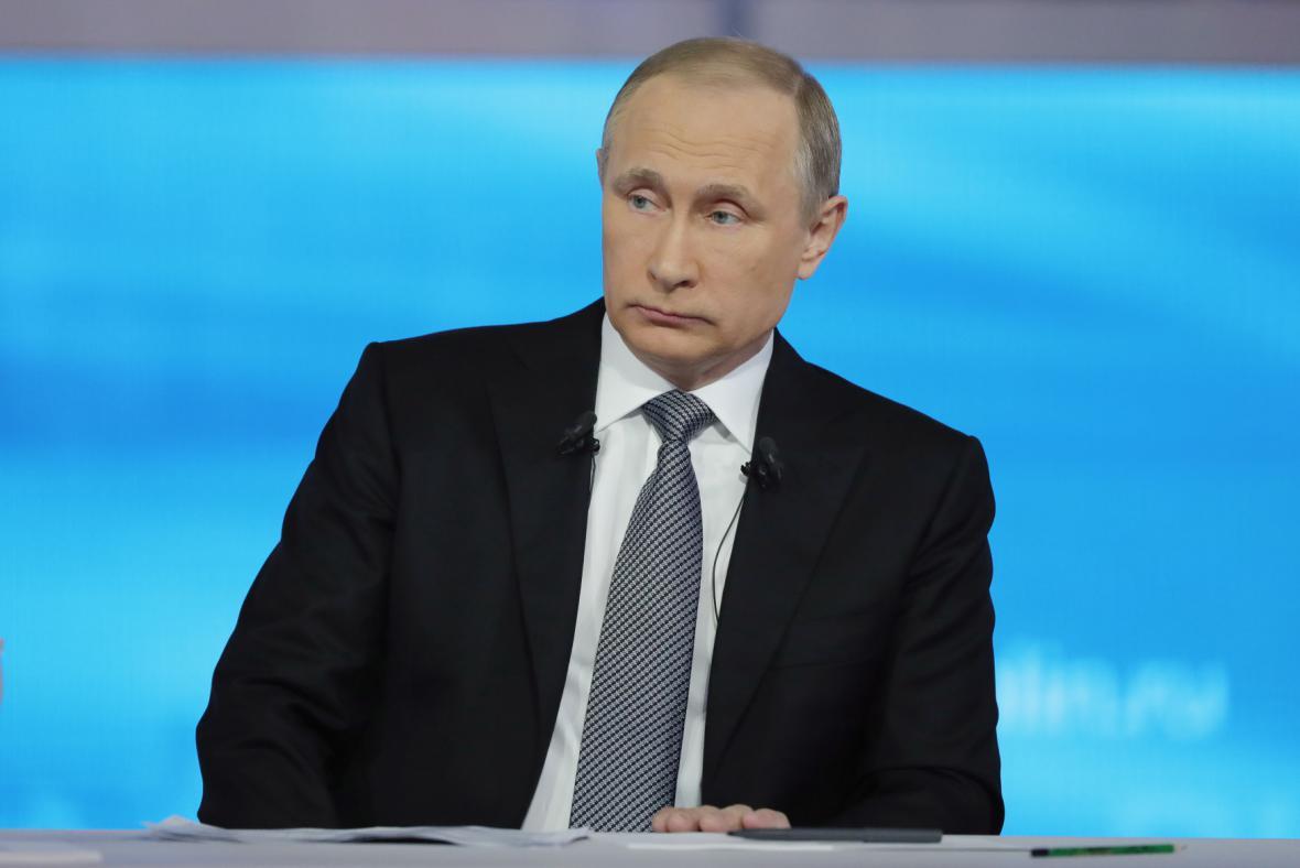 Ruský prezident Vladimir Putin při debatě s občany