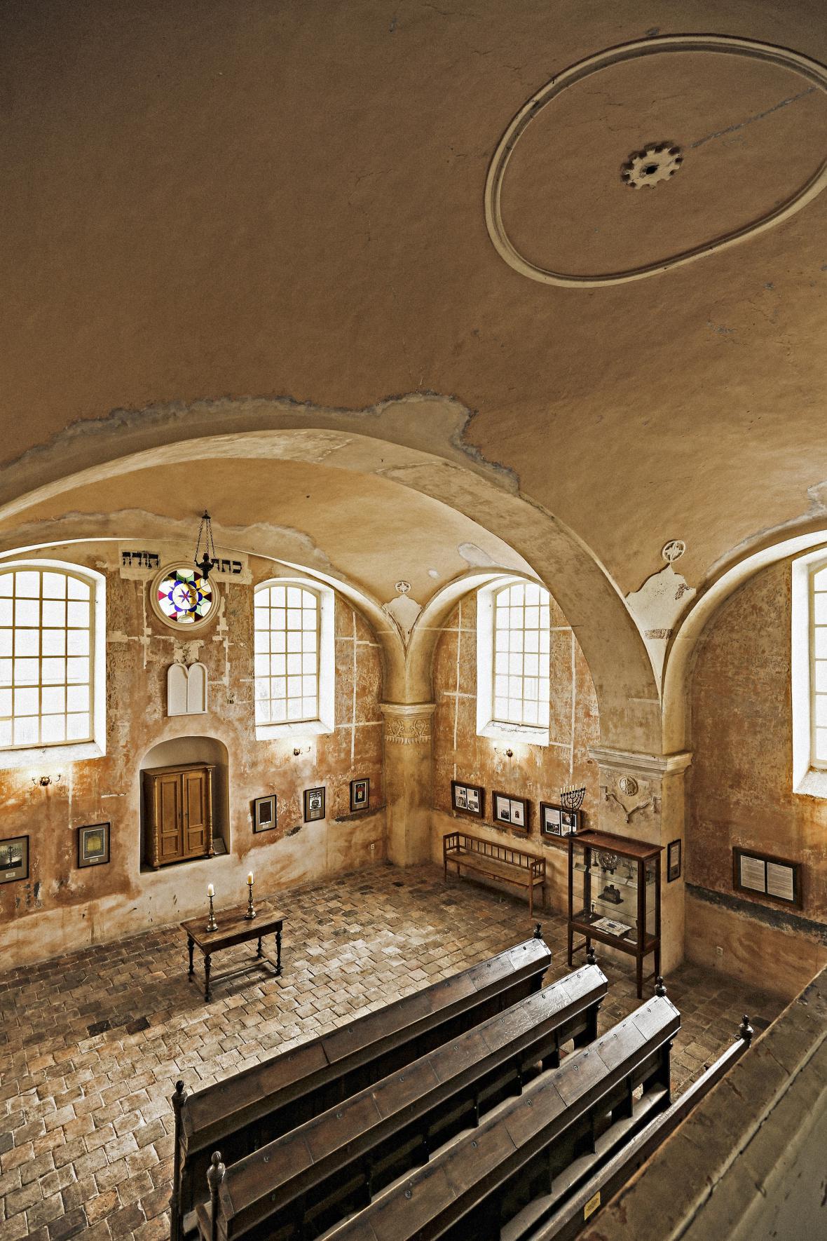Konverze synagogy v Lošticích