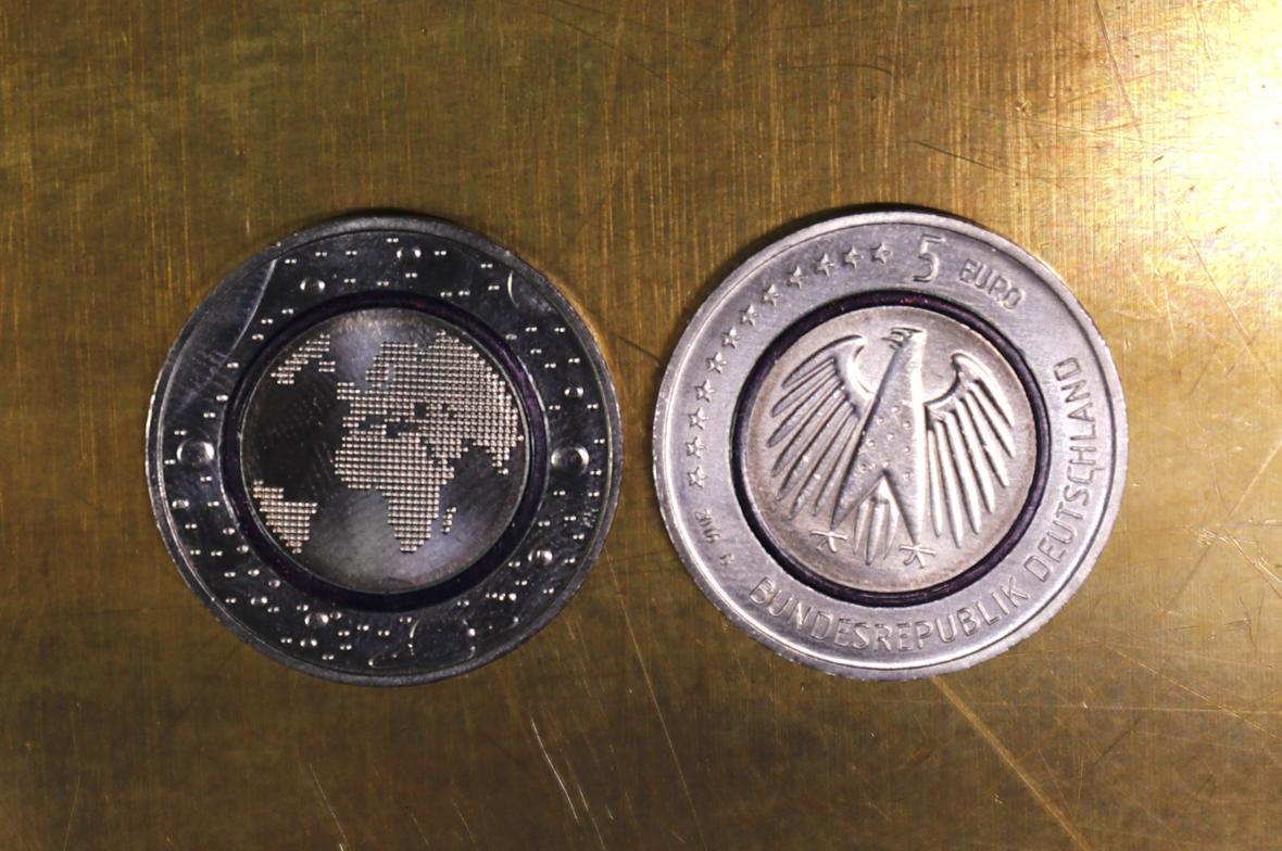Nová pětieurová mince