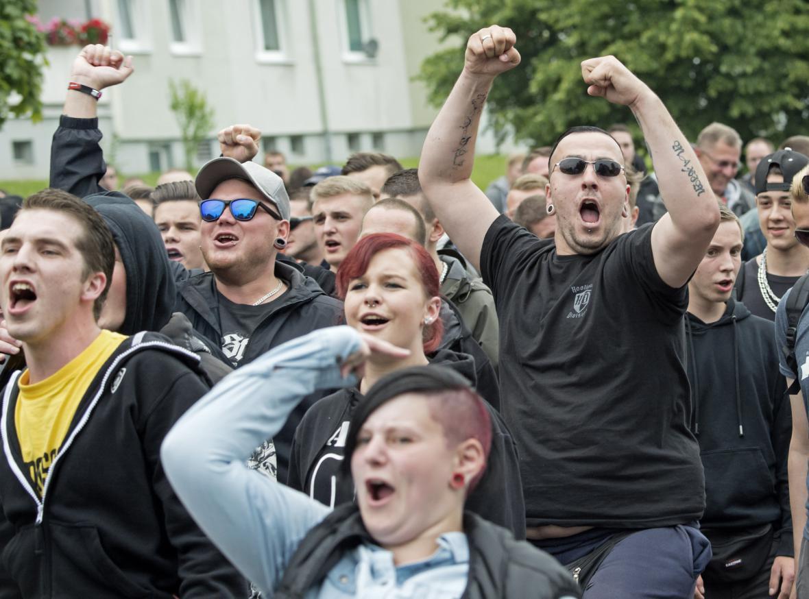 Protesty odpůrců migrantů ve Freitalu