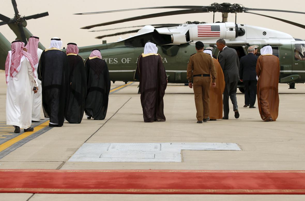 Uvítání Baracka Obamy na letišti v Rijádu