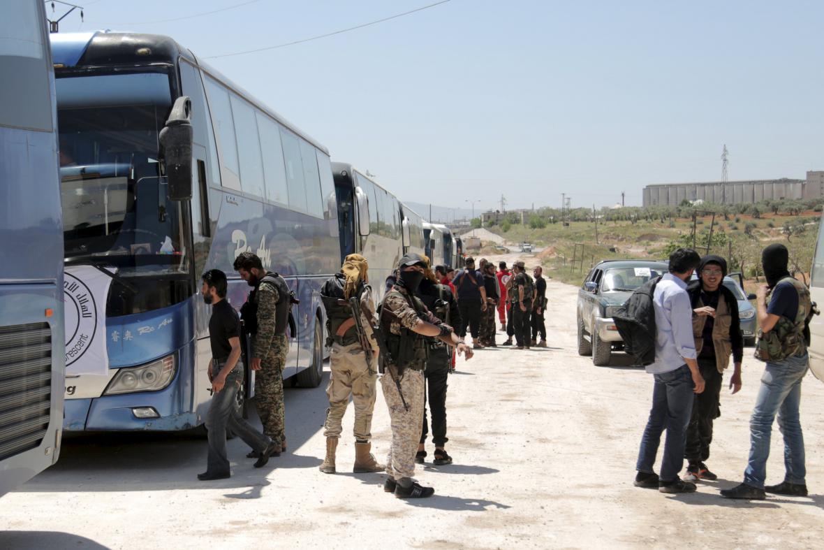 Evakuace zraněných Syřanů