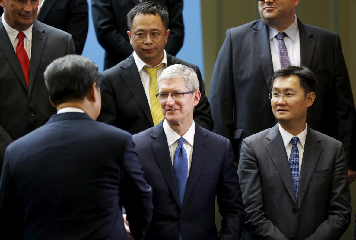 Srdečné časy - čínský prezident se šéfem Applu Time Cookem (září 2015)
