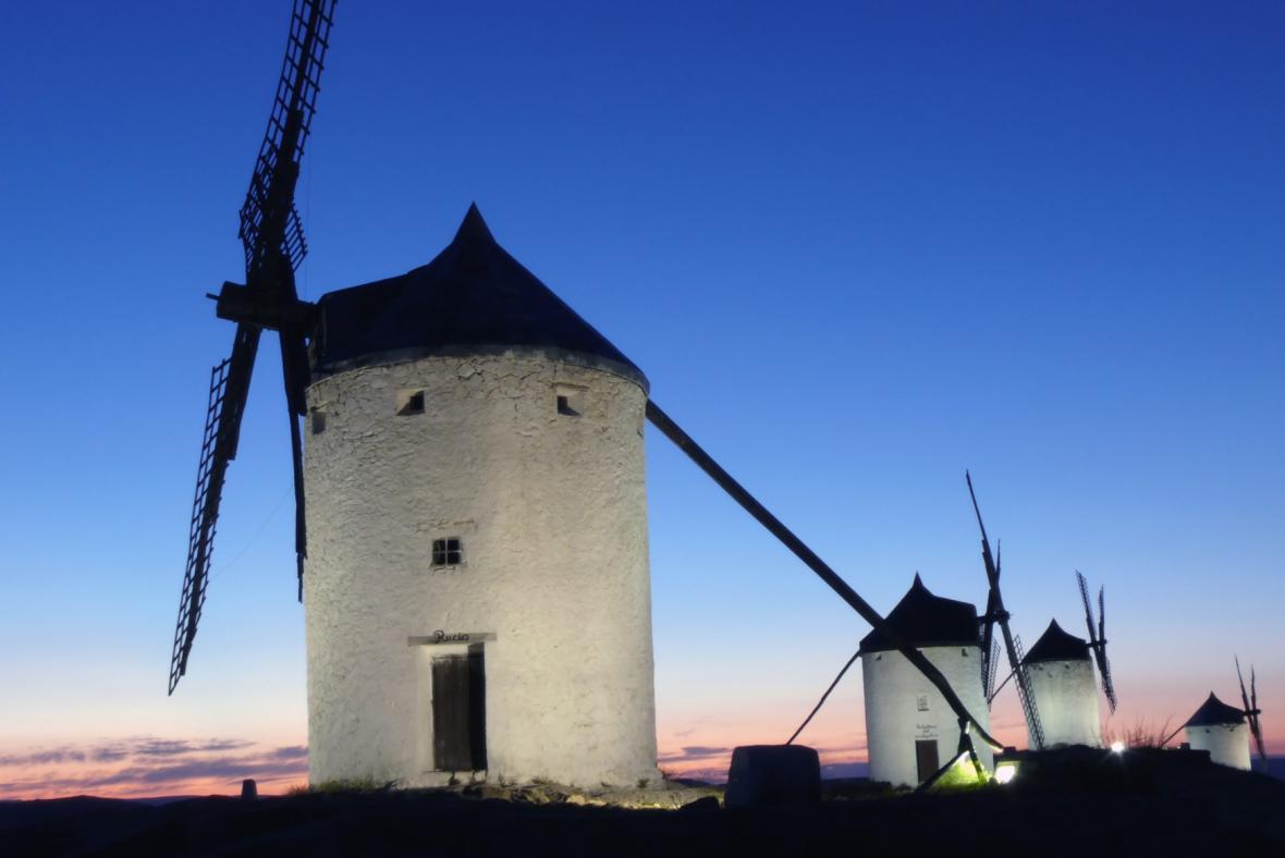 Větrné mlýny v La Mancha