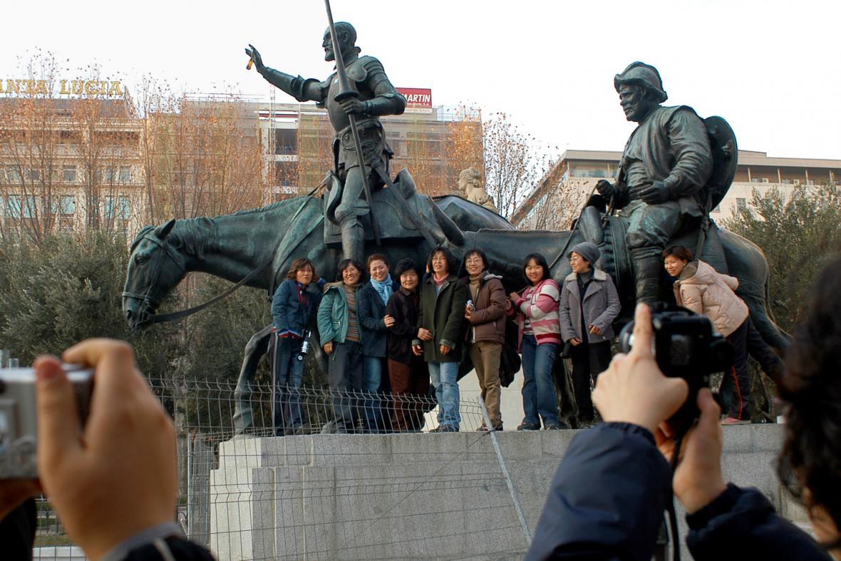 Socha Dona Quijota a jeho sluhy Sancha Panzy v Madridu