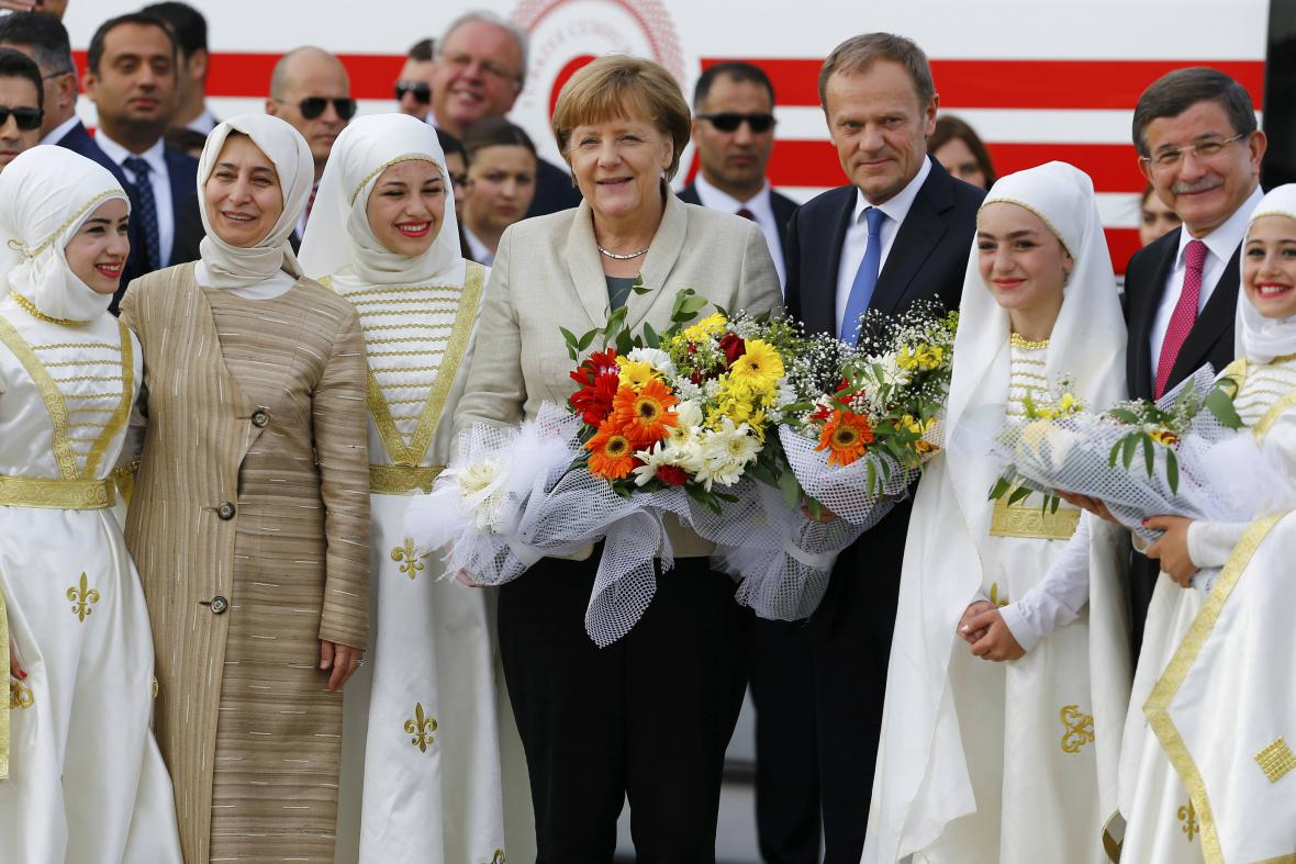 Angela Merkelová s Donaldem Tuskem v Turecku