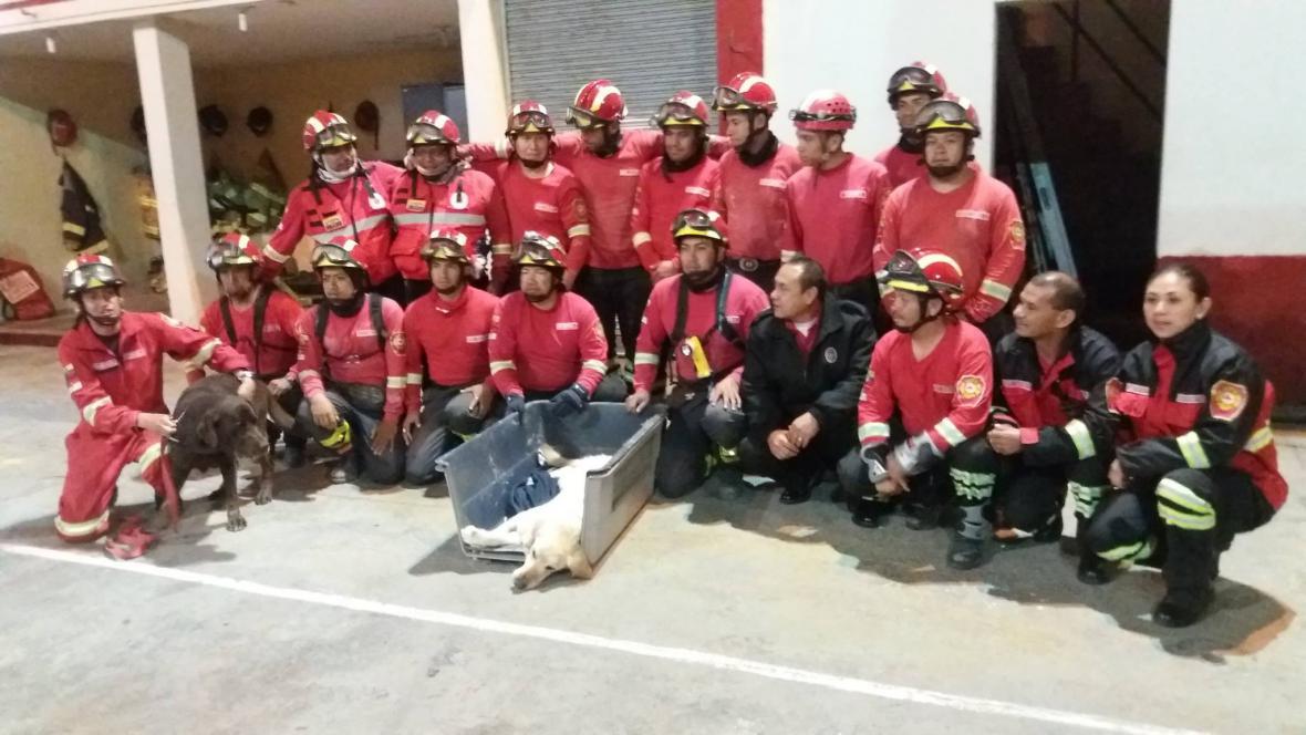 Rozloučení ekvádorského hasičského sboru s Daykem