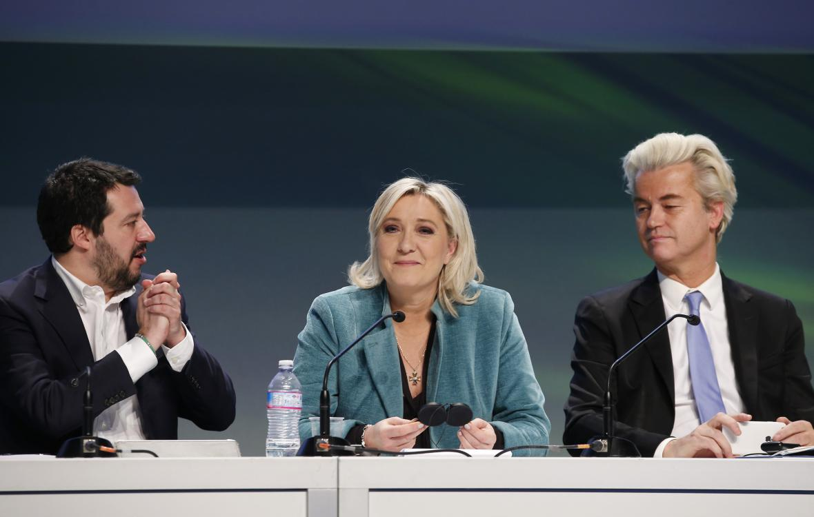 Matteo Salvini (vlevo), Marine Le Penová a Geert Wilders