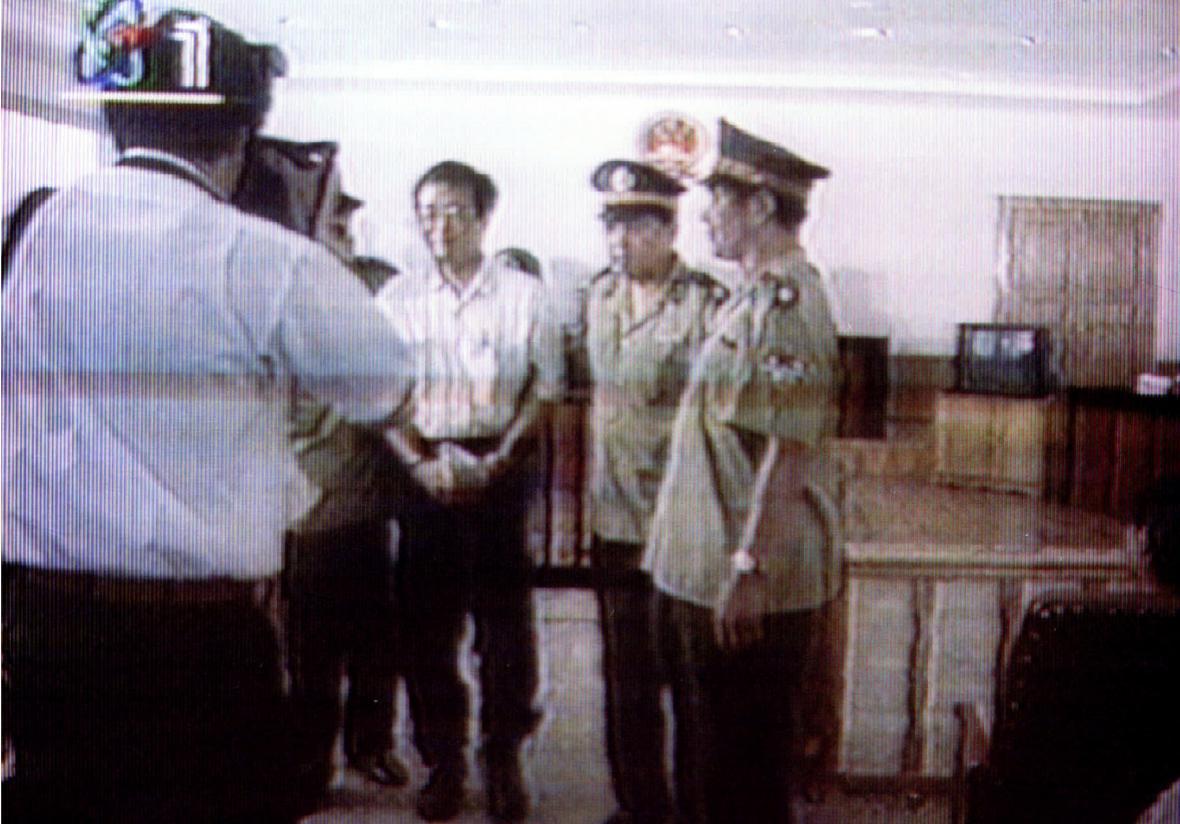 Harry Wu u soudu v roce 1995
