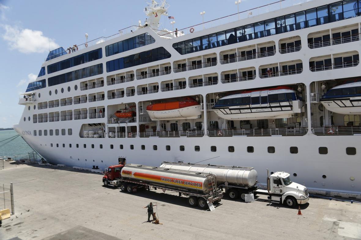 Výletní loď Adonia u amerických břehů