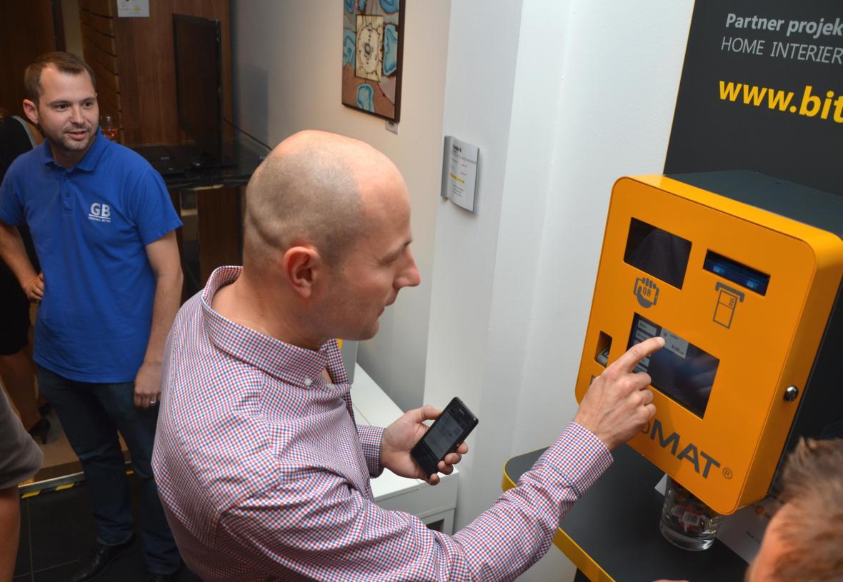 Bankomat pro elektronickou měnu bitcoin