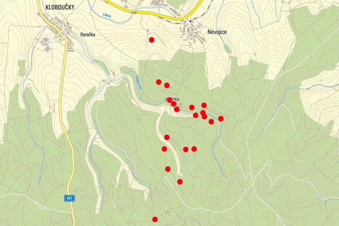 Mapa míst, kde všude žhář zapaloval chaty a posedy