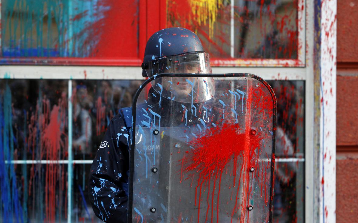Bezpečnostní složky během protestů ve Skopje