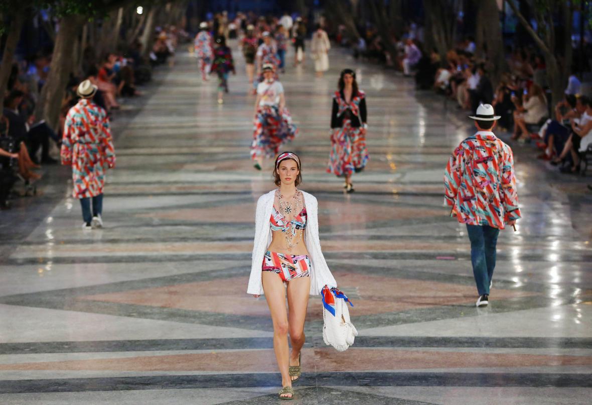 Módní přehlídka Chanelu v Havaně