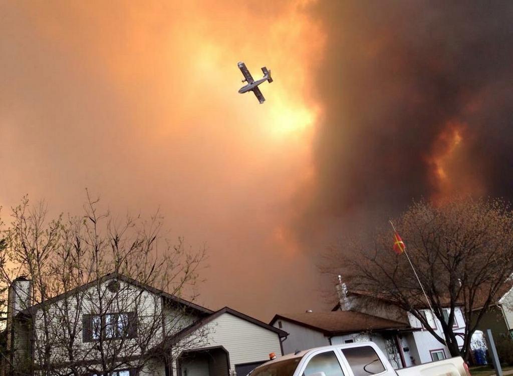 Mohutné požáry v kanadské provincii Alberta