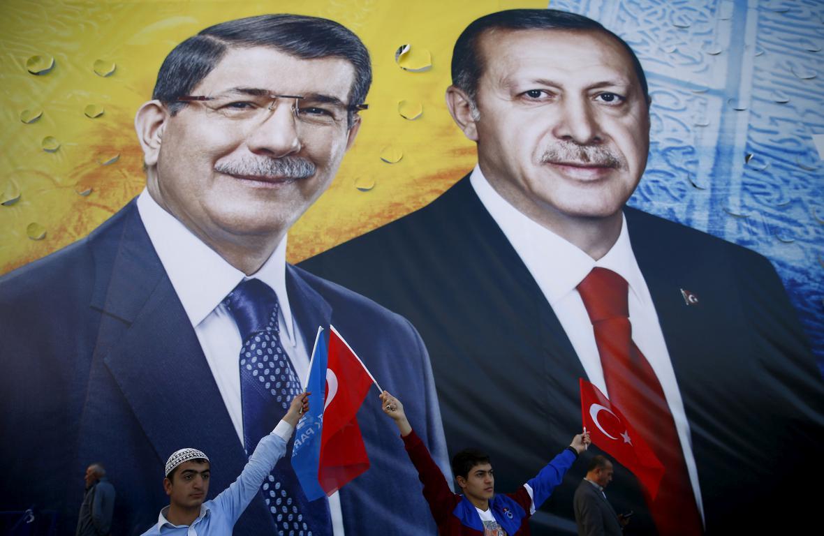 Tandem Erdogan-Davutoglu už je minulostí