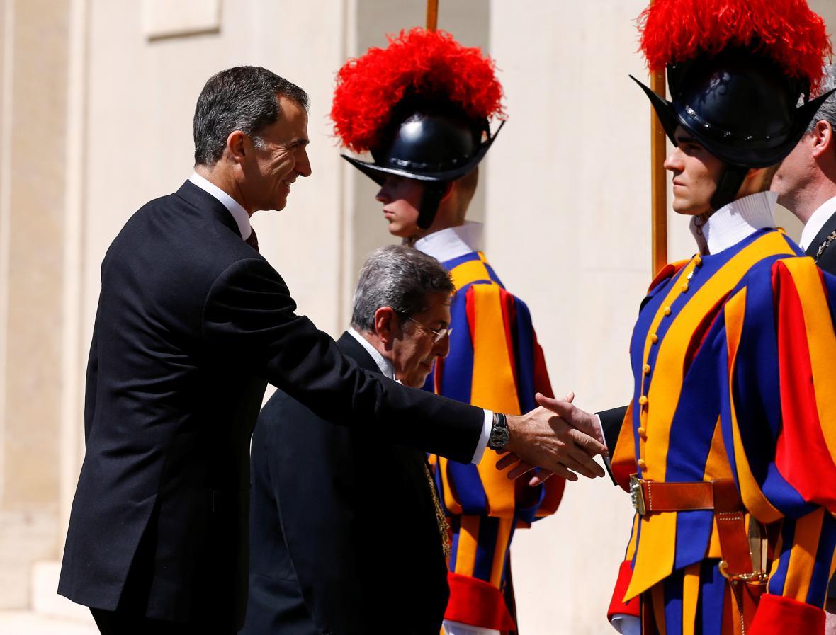 Cenu Karla Velikého předával i španělský král Felipe VI.