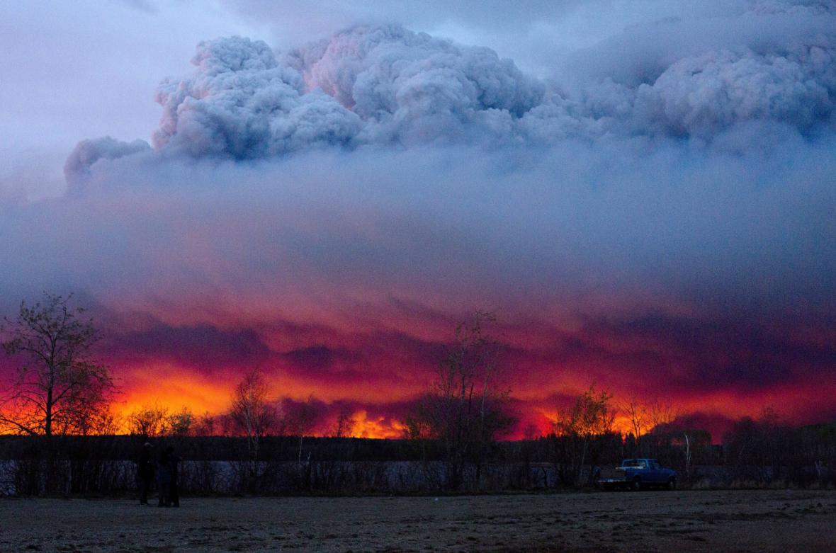 Lesní požár v kanadské Albertě