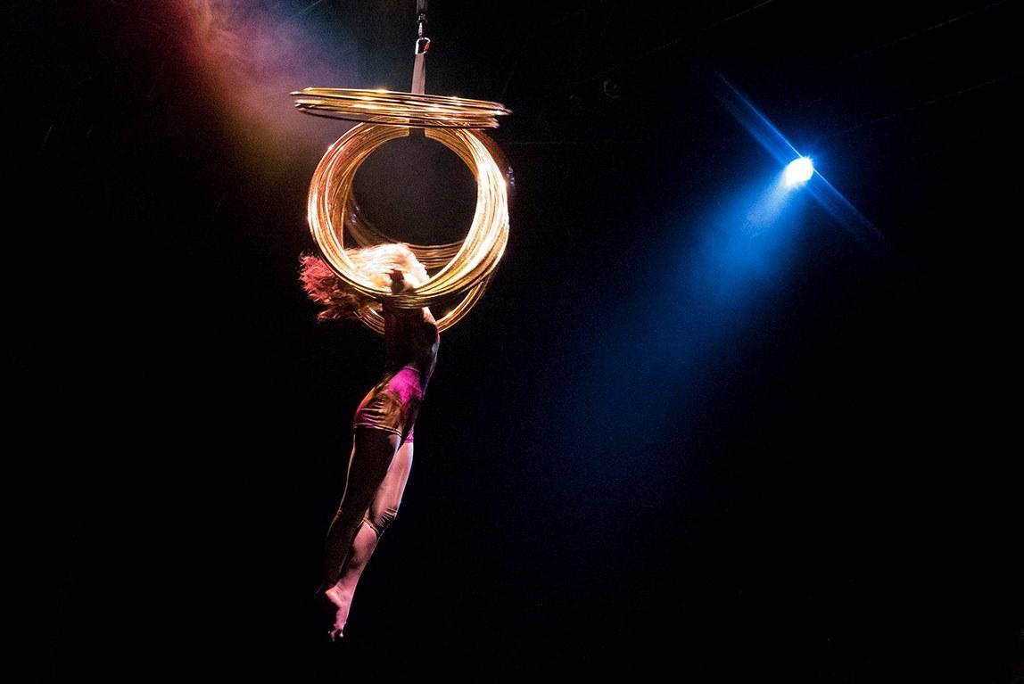 Circo Aereo / Opaque