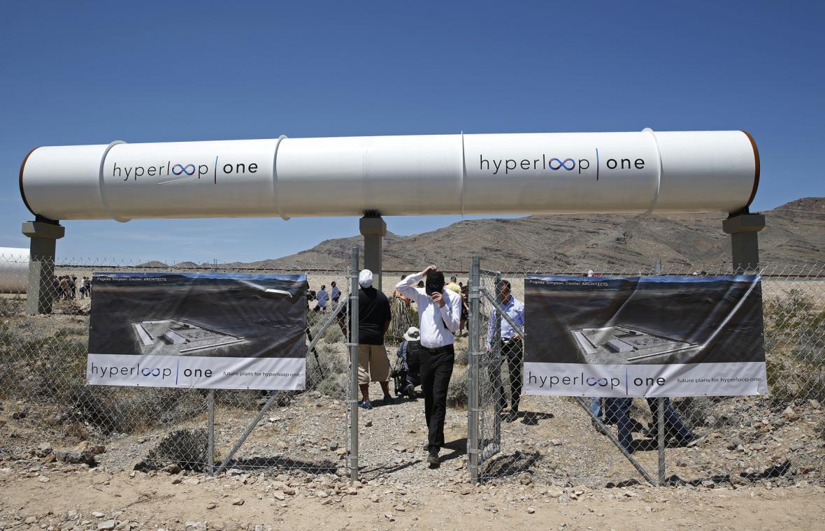 Test magnetické dráhy Hyperloop v Las Vegas
